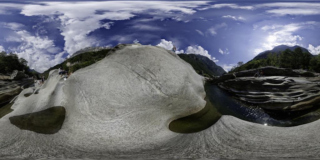 Verzasca-Fels-1-Panoramapreview.jpg